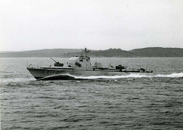 640px-Swedish_Navy_Torpedo_boat_HMS_Plejad_%28T102%29_Fo65397AB.jpg
