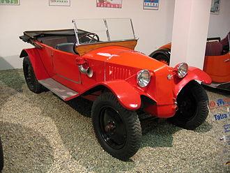 Tatra 11 - Image: T11 cabrio red