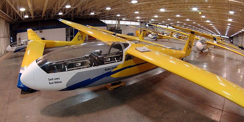 File:TG-10B Gliders.jpg