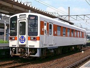 KiHa 11 - Tokai Transport Service KiHa 11-201 in August 2006