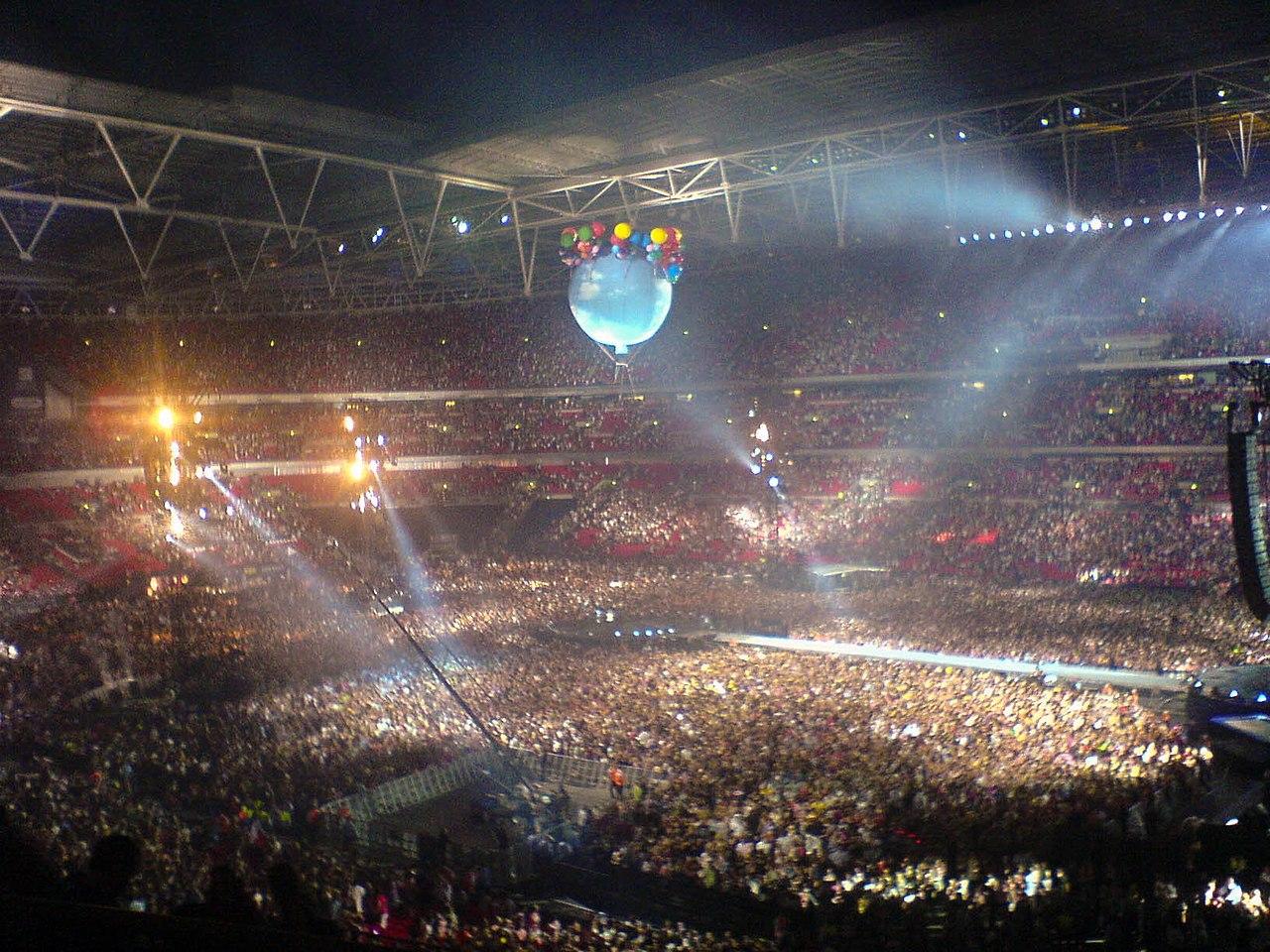 File Take That Wembley Jpg Wikimedia Commons
