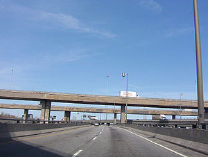 Quebec Autoroute 720 - Image: Through turcot interchange east 1