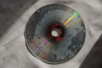 CD player - This disc is highly corroded. The error correction cannot correct all errors. Two minutes can be played, however.