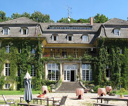 """Haus Tornow am See"" (former manor house), Germany from 1912 is today separated into a special education school and a hotel with integrated work/job- and rehabilitation-training for people with mental disorders Tornow Pritzhagen 10.jpg"