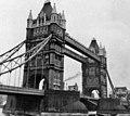 Tower Bridge, London, taken 1968 - geograph.org.uk - 738210.jpg