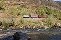 Train in Aberglaslyn Pass - geograph.org.uk - 1307638.jpg