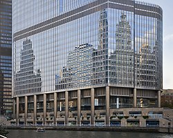 Trump International Hotel and Tower, Chicago, Illinois, Estados Unidos, 2012-10-20, DD 05.jpg