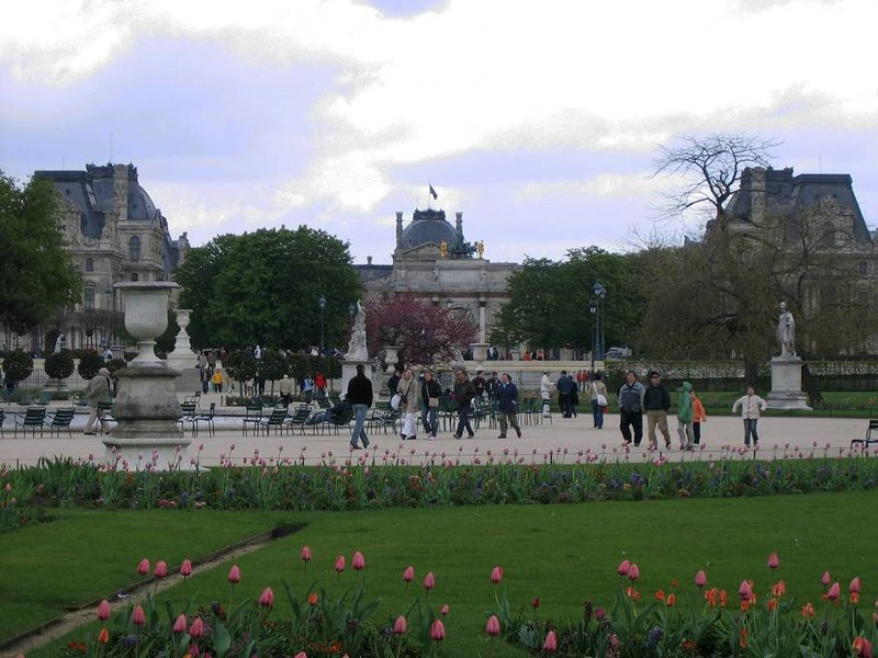 Ficheiro:Tuileries garden.jpg