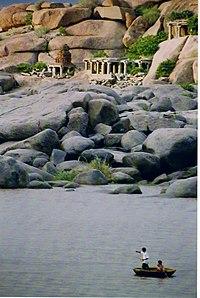 Tungabhadra river at Hampi.jpg