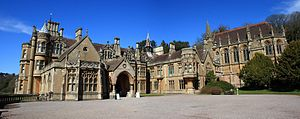The Abominable Bride - Panoramic view of the entrance area of Tyntesfield