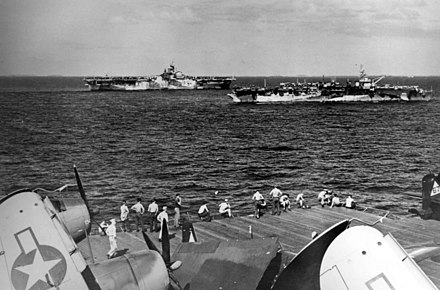 USS Hornet (left) and USS Independence on 26 January 1945 USS Hornet (CV-12) and USS Independence (CVL-22) underway January 1945.jpeg