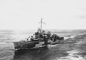 USS Yarnall (DD-541) - USS Yarnall (DD-541) in the Pacific, ca. 1944