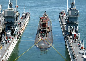US Navy 070425-N-6357K-002 Los Angeles-class fast attack submarine USS Asheville (SSN 758), nicknamed The Ghost of the Coast, enters the floating dry dock Arco (ARDM 5) for a scheduled maintenance period aboard Naval Base Point.jpg