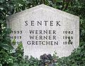 Uetersen Grabstein Sentek 01.jpg