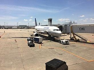 Cincinnati/Northern Kentucky International Airport - United A320 at Concourse A