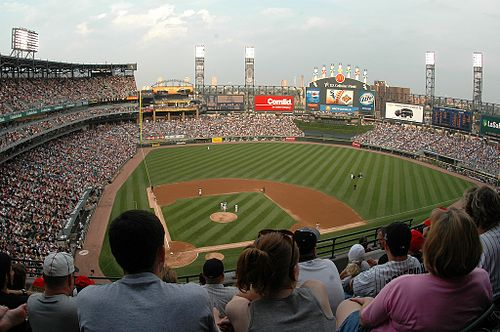 View from the upper deck of U.S. Cellular Field in 2006 Uscellular.jpg