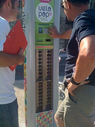 Vélopop' - Image: Vélopop Key Dispenser