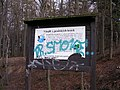 Vítejte v pražských lesích, tabule.jpg
