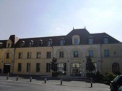 L'hôtel de ville de Verrières-le-Buisson.