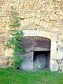 Vieille entrée de ferme - Old farm door Corrèze 2007 (1122468683).jpg