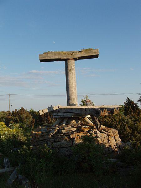 File:Vilsandi, pukktuuliku varemed.JPG