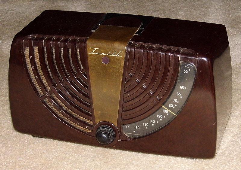 File Vintage Zenith Consoltone Table Radio Model 6d015z