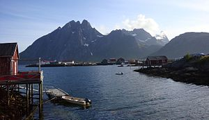 Flakstadøya - Image: Vue de Sund (Flakstad)