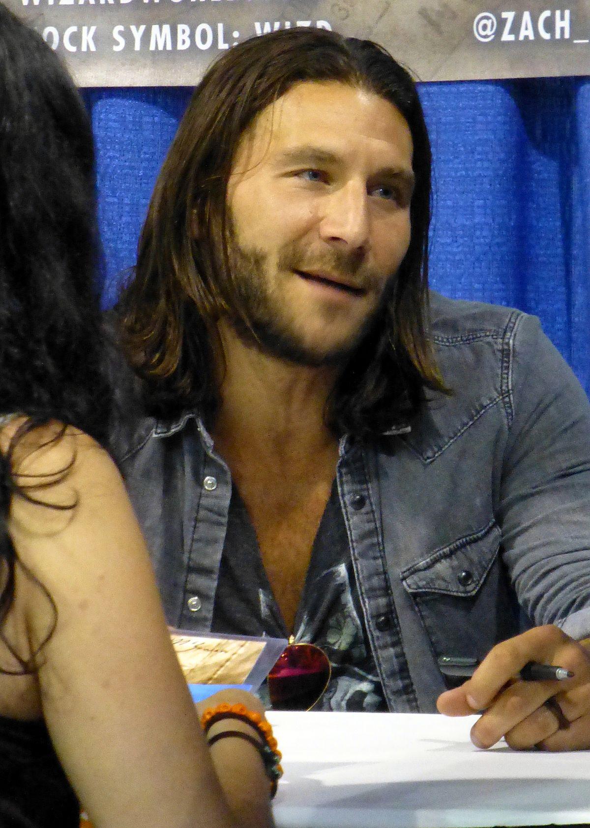 Zach McGowan - Wikipedia