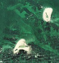 ... 、左下は志摩町和具の大島