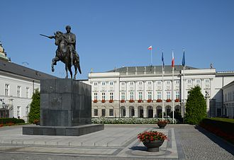 Presidential Palace, Warsaw - Bertel Thorvaldsen's statue of Prince Józef Poniatowski in front of the Presidential Palace