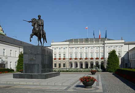 Presidential Palace on Krakowskie Przedmiescie in Warsaw, with equestrian statue of Prince Jozef Poniatowski by Bertel Thorvaldsen. It serves as the official seat of presidency. Warszawa Palac Prezydencki 2011.jpg