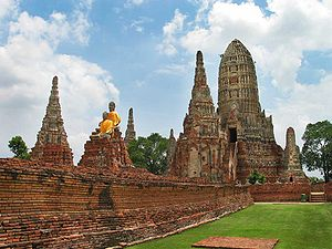 Wat Chaiwatthanaram - Statues at Wat Chaiwatthanaram