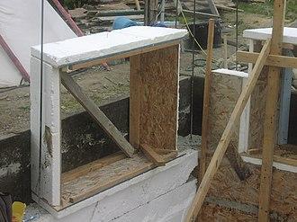 Slipform stonemasonry - Image: Window Frame in Stonework