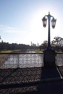 Yarra river near city medium.jpg