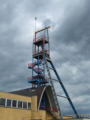 Historic Silver Mine in Tarnowskie Góry - Image: Zabytkowa Kopalnia Rud Srebronosnych Tarnowskie Gory szyb 1 20070627