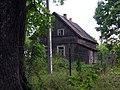 Zibikai, senovinis dviaukstis medinis namas, 2006-08-20.jpg