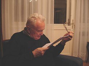 Zlatko Crnković (translator) - Zlatko Crnković reading the print of his own biography from the Croatian Wikipedia (January 2007)