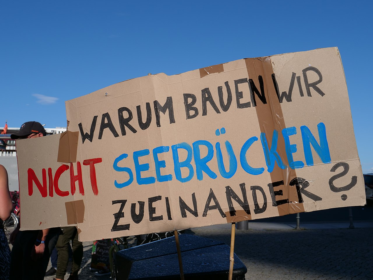 """Seebrücke"" Demonstration for sea rescue in the Mediterranean sea in Berlin 7th of July 2018 02.jpg"
