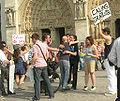 'FREE HUGS', Notre Dame de Paris.jpg