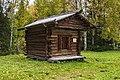 Амбар Бобрецова д. Усть-Низьма Лешуконского района.jpg