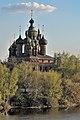 Ансамбль церкви Иоанна Предтечи в Толчкове, весной на берегу Которосли.jpg