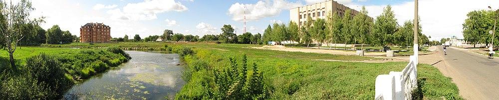 Носівочка - з мосту на північ - panoramio.jpg