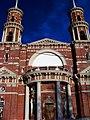 Церковь Владимирская, вид на центральный вход.jpg