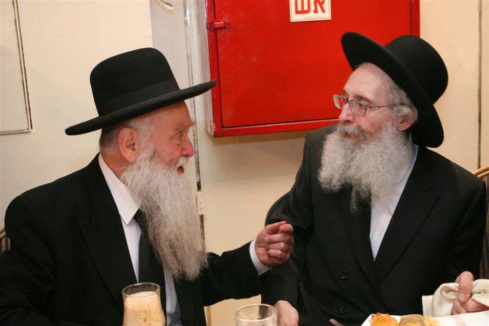 הרב נתן צבי פינקל עם הרב רפאל שמואלביץ