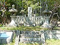 源頼義墓 Tomb of Minamoto no Yoriyoshi - panoramio.jpg
