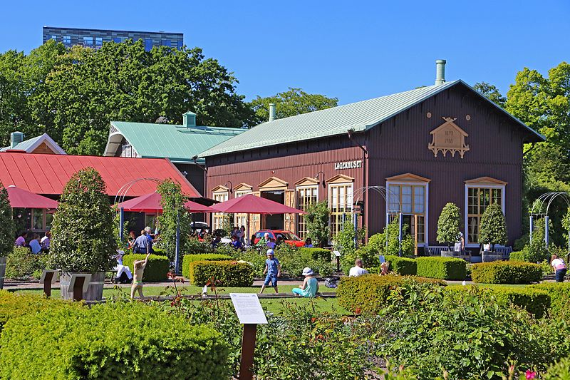 Trädgårdsföreningen - Lagerhuset et Rosencafet : The park Trädgårdsföreningen, which was already laid out in 1842, is located right in the center along the moat. The Gothenburg parks are home to the most flowering plants, including a rosarium.