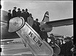 01-17-1948 03852 Aankomst Surinaamse delegatie (12236515423).jpg
