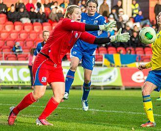 Þóra Björg Helgadóttir - Playing an international friendly against Sweden at Myresjöhus Arena in Växjö, 6 April 2013