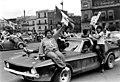 026549-018 FUTBOLEROS FESTEJANDO EN EL ZÓCALO JUNIO 7 1986 (45398933914).jpg
