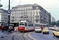 056R17270679 Schottenring, Haltestelle Schottentor, Linie 25K Typ E1 4864.jpg